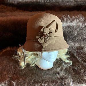 NWT Camel Color Cloche Hat